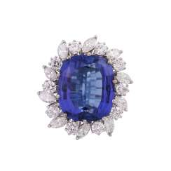 Ring with tanzanite in cushion cut approx 8 ct, and diamonds