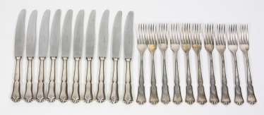 silver flatware set for 10 people