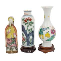 Group of three pieces of porcelain/ceramic. CHINA and JAPAN.