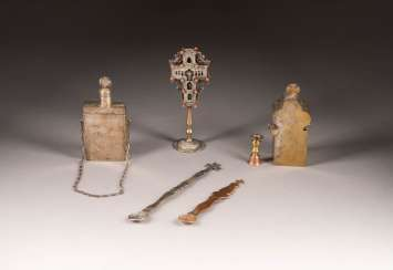 TWO TRAVEL VERSEHGARNITUREN, TWO LITURGICAL SPOON AND CROSS