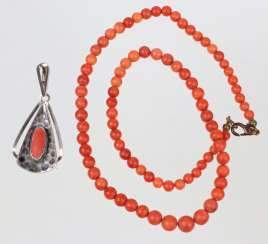 Coral necklace and pendant