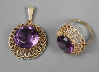 Ring and pendant with amethysts
