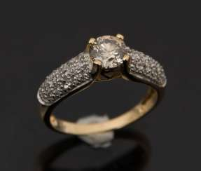 CHAMPAGNE BRILLIANT gold RING, 750 yellow gold and set with diamonds.
