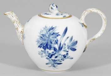 Teapot with floral decor