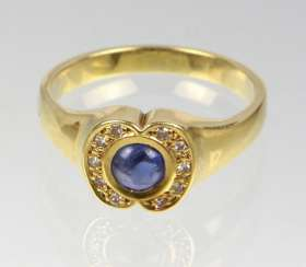 Sapphire Ring with diamonds - yellow gold 585