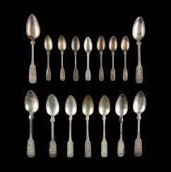 COLLECTION OF SIXTEEN SPOONS