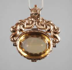 Magnificent pendant with faceted citrine