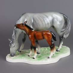 "Animal sculpture ""Mare with foal"""