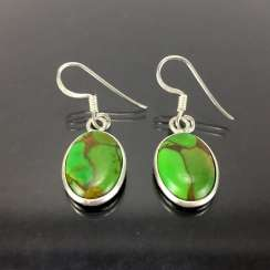 Elegant earrings: silver 925, rhodium plated, green turquoise, very nice.