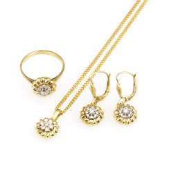 3-piece jewelry set with brilliant-cut diamonds