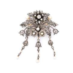 TREMBLING BROOCH WITH DIAMONDS