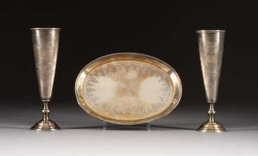 PAIR OF FLUTES ON TRAY