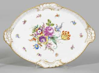 Large serving plate with floral decoration