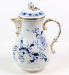 Meissen Coffee Pot *Vine Leaves*