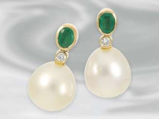 Earrings: large breed pearl stud earrings with diamonds and emeralds, 18K Gold