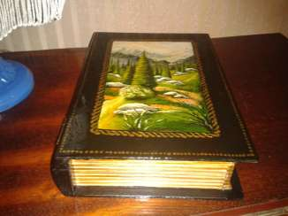 Box Book with hand-painted.