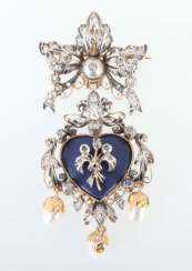 Brooch with a heart pendant from the 18th century