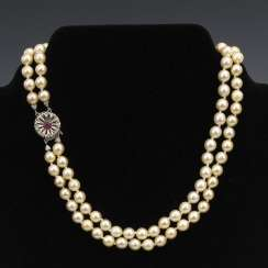2-row cultured pearl necklace with decorative be