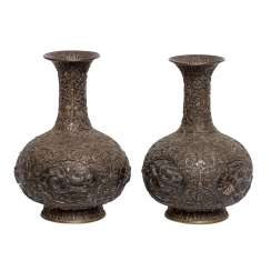 Pair of vases made of silver. CHINA, around 1900.