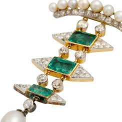 Extraordinary brooch pendant with emeralds and old European cut diamonds