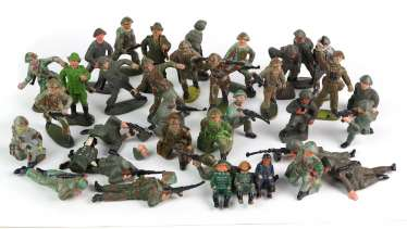 Post GDR soldiers