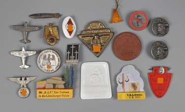 Mixed lot of insignia NS-time