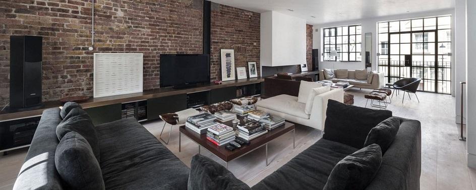 Лофт. Интерьер в стиле лофт, гостиная с диванами и журнальными столиками