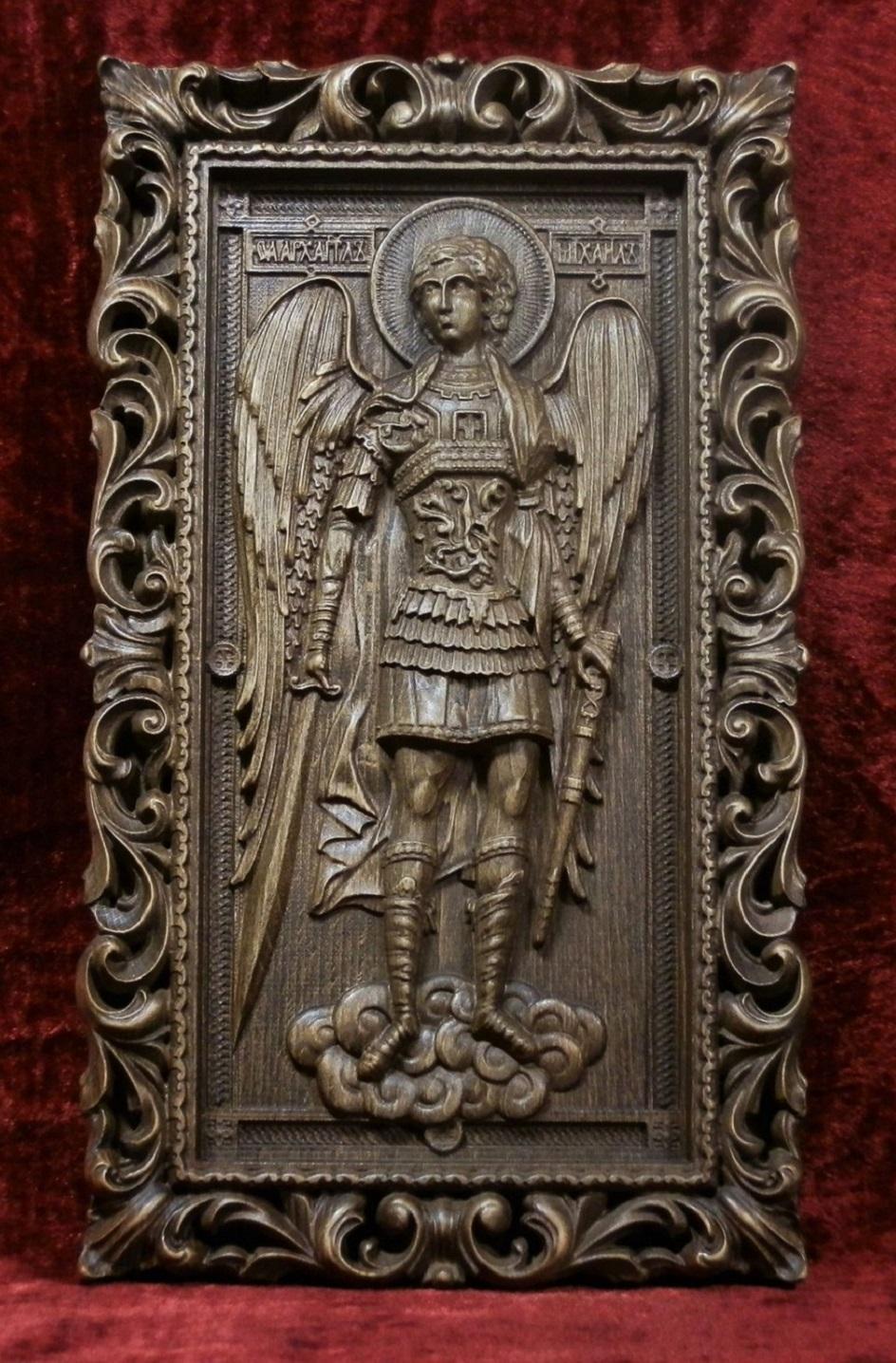 Икона. Резная икона Архангела Михаила
