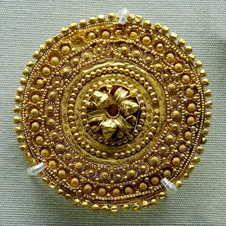 Филигрань. Этрусская золотая серьга, V век до нашей эры