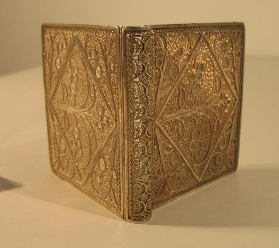 Филигрань. Золотая табакерка, XIX век