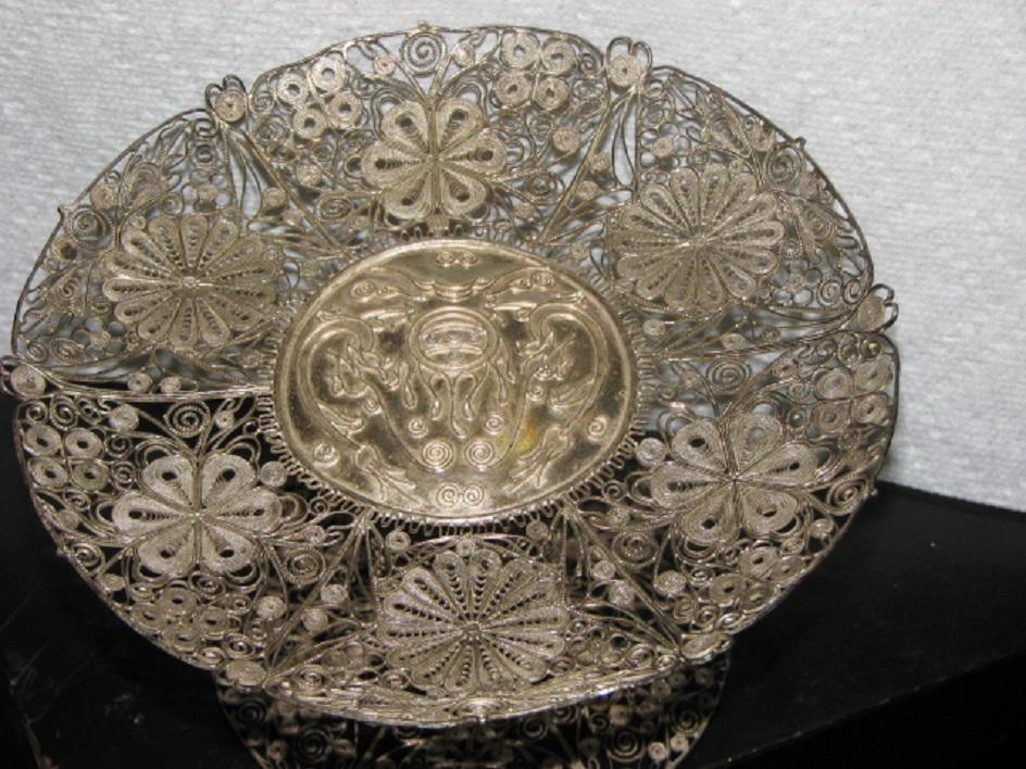 Филигрань. Тарелка стерлингового серебра, XIX век