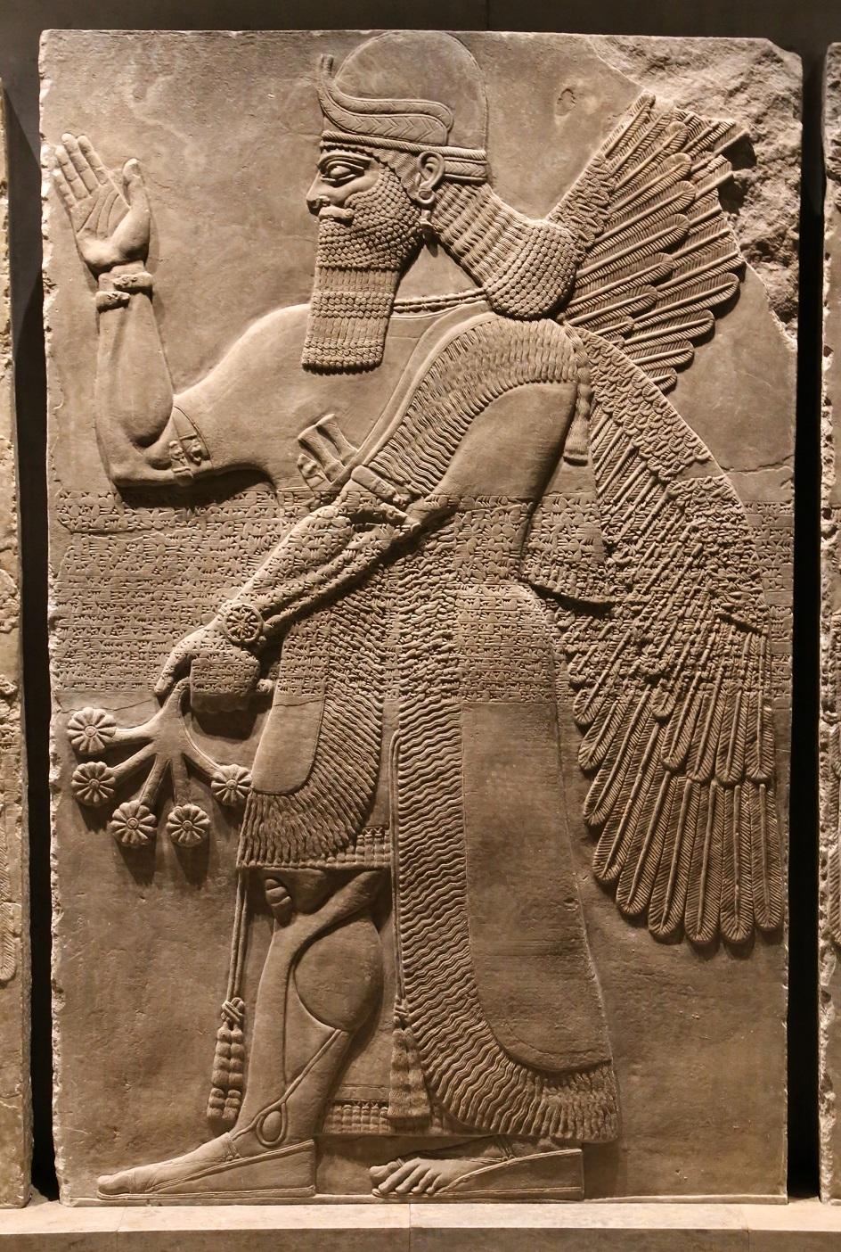 Барельеф. Ассирийский барельеф «Крылатый джинн», IX век до нашей эры