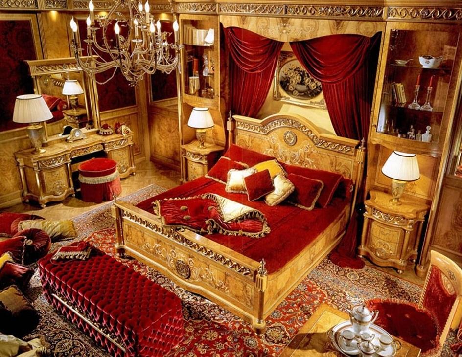 Барокко в интерьере. Спальня в бордовых тонах в стиле барокко