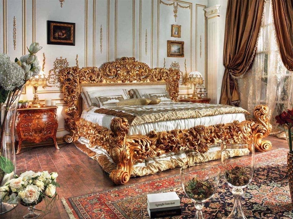 Барокко в интерьере. Спальня в золотых тонах в стиле барокко