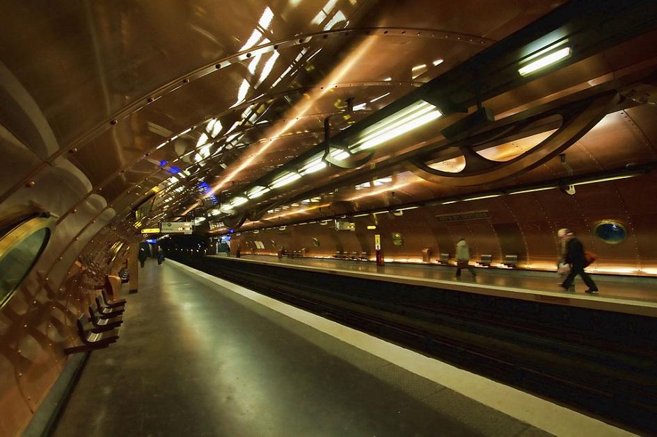 Стимпанк. Парижская станция метро Arts et Métiers в стиле стимпанк