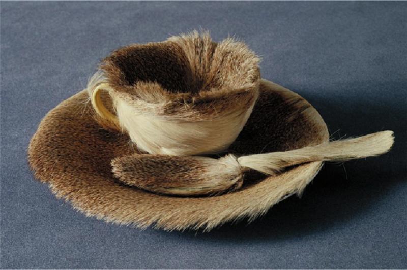 Сюрреализм. Мерет Оппенгейм. «Меховой чайный прибор»