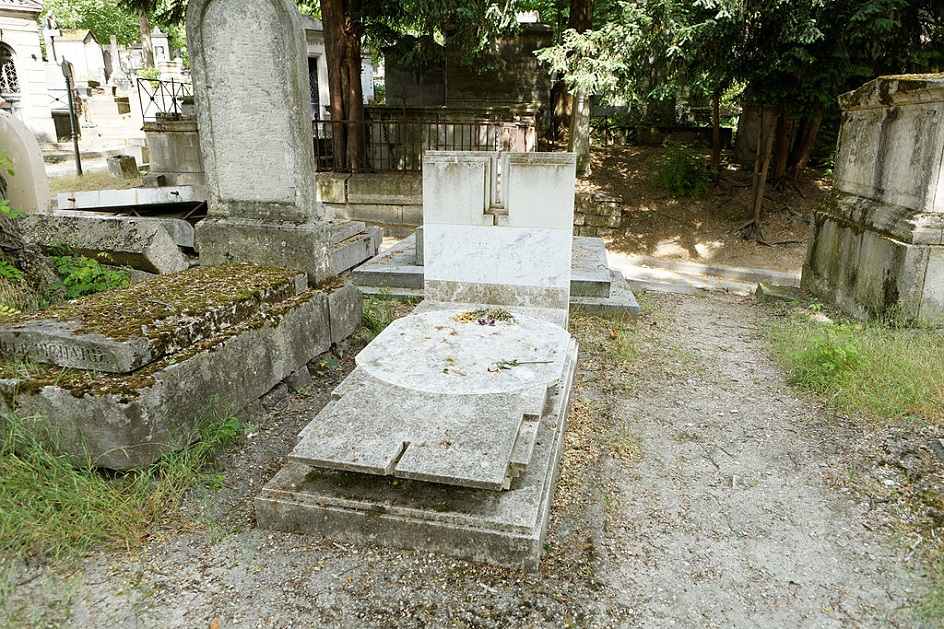 Карел Аппел. Могила Карела Аппела на кладбище Пер-Лашез